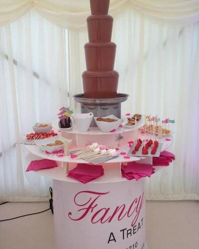 Celebrity-Chocolate-Fountain-for-birthday-party