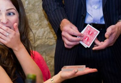 Close-up-Magician-Corporate-event